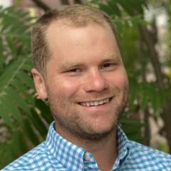 headshot for Chris Kulbago