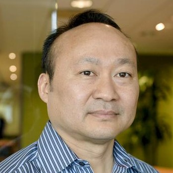 headshot for Minh Le