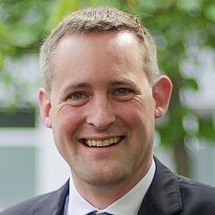 headshot for Florian Rotberg